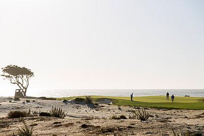 Golf course at Pebble Beach - p756m1492894 by Bénédicte Lassalle