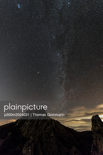 Spain, Extremadura, Parque Nacional de Monfrague, Salto del Gitano, Astrohoto with Milky Way and Zodiacal Light - p300m2024031 by Thomas Grohmann