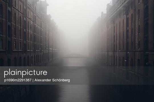Speicherstadt in the mist - p1696m2291387 by Alexander Schönberg