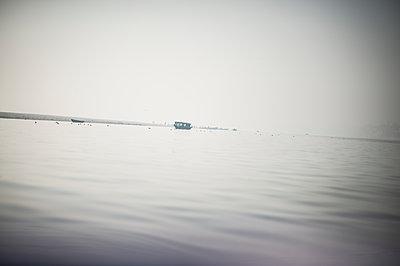 Varanasi - p1007m1060002 by Tilby Vattard