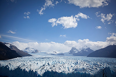 Perito Moreno glacier from above 4 - p1513m2039103 by ESTELLE FENECH