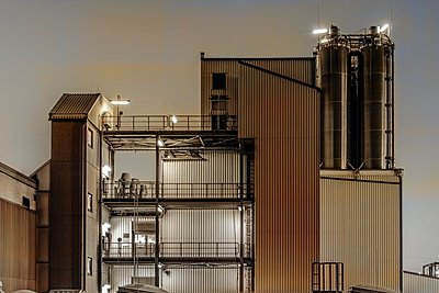 Chemical industrial plant - p401m2228388 by Frank Baquet