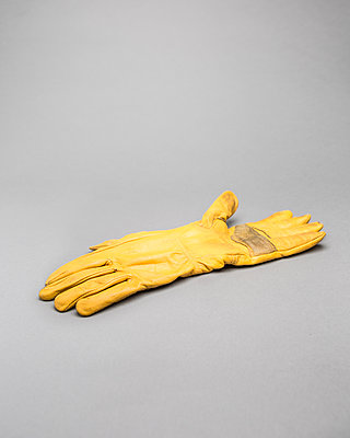 Working gloves - p1059m2124822 by Philipp Reiss