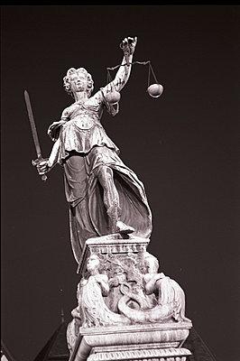 Justitia - p2684647 von Christof Mattes
