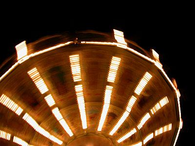 Merry-go-round - p4264364f by Benny Ottosson