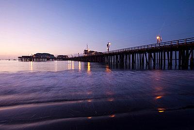 Stearns Wharf on beach in Santa Barbara. - p3314088 by Andrea Alborno
