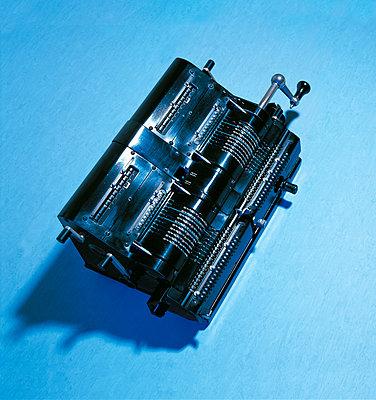 Alte mechanische Rechenmaschine - p550m2273259 von Thomas Franz