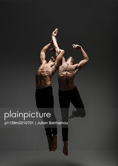 Two Ballet dancer - p1139m2210701 by Julien Benhamou