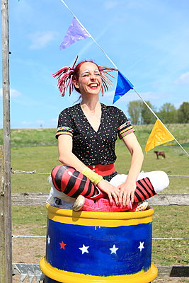 Lustige Clownin - p045m1031242 von Jasmin Sander