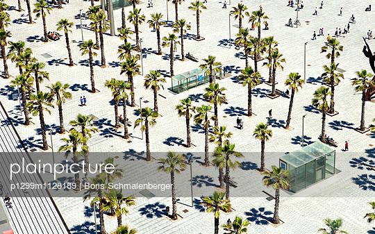 Pedestrian zone - p1299m1128189 by Boris Schmalenberger