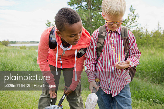 p328m718412f von Hero Images