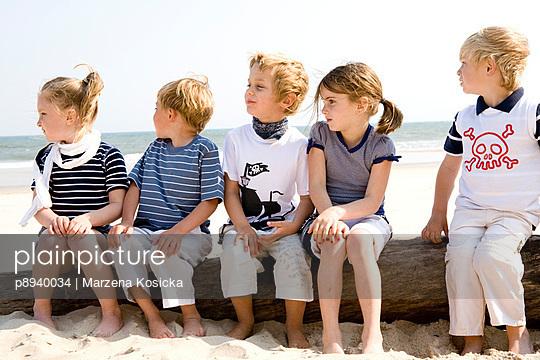 Kinder am Strand - p8940034 von Marzena Kosicka