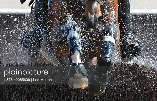 XC rider close-up - p378m2085639 by Leo Mason