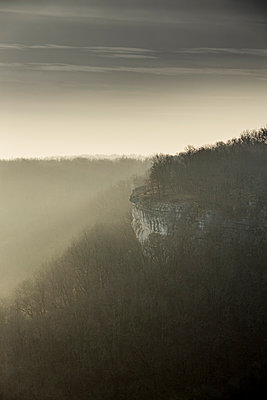 Valley of Alzou at backlight - p248m995629 by BY