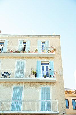 Haus in Toulon - p432m1586350 von mia takahara