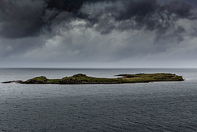 Highlands - p910m2008142 by Philippe Lesprit