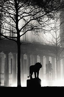 Statue des Löwen  - p1493m1589483 von Alexander Mertsch