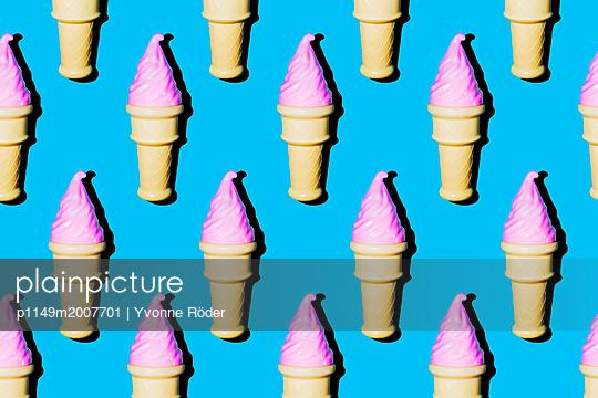 Soft ice cream - p1149m2007701 by Yvonne Röder