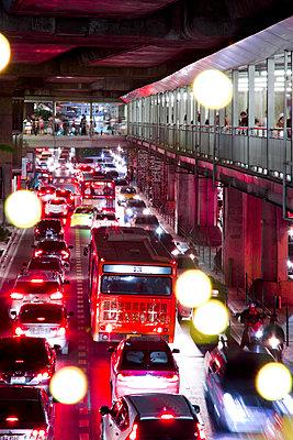 Stadtverkehr in Bangkok - p1032m1220653 von Fuercho