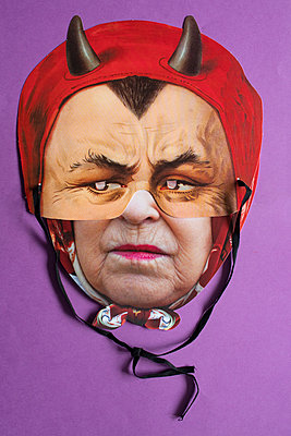 Maske - p1484m2181940 von Céline Nieszawer