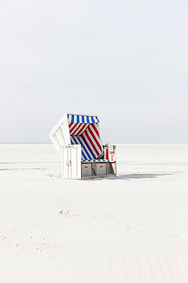 Beach chair - p248m1020075 by BY