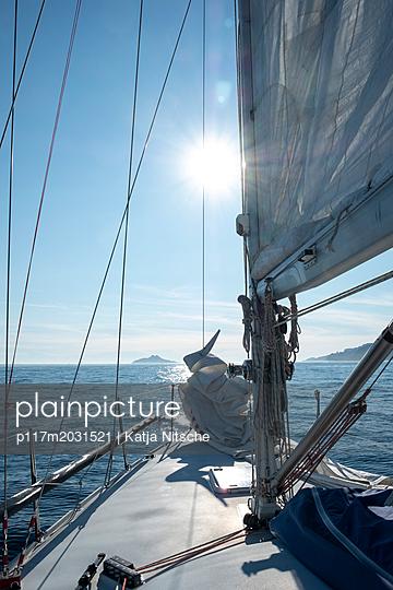 Segeln im Mittelmeer - p117m2031521 von Katja Nitsche