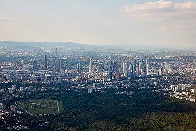 Frankfurt am Main, aerial view - p1492m2228714 by Leopold Fiala