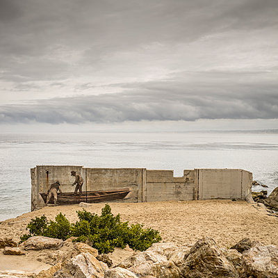 Wall painting at the seaside - p552m1137989 by Leander Hopf