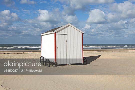 Badehaus in Belgien - p5450087 von Ulf Philipowski