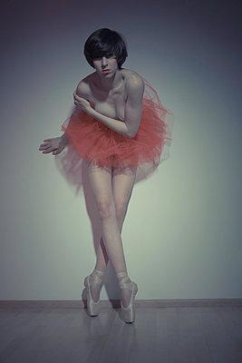 Ballerina I - p1076m832074 by TOBSN