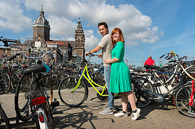 Couple in Amsterdam - p1132m1159139 by Mischa Keijser