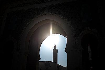 View of a minarett - p1007m2092409 by Tilby Vattard