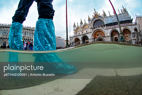 St. Mark's Square and Basilica flooded by high tide, Venice, UNESCO World Heritage Site, Veneto, Italy - p871m2123091 by Antonio Busiello