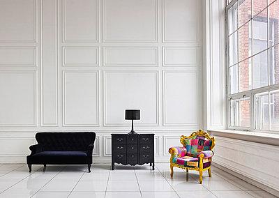 Loft mit minimalistischem Interieur - p390m1477413 von Frank Herfort