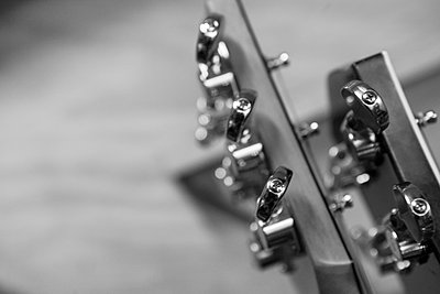 Musicians on Live Session Black and White. - p1166m2112962 by Cavan Images
