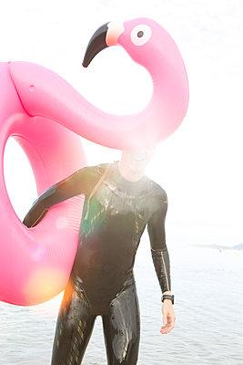 Flamingo life - p454m1531899 by Lubitz + Dorner