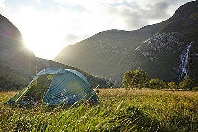 Zelten in den Grampian Mountains - p1145m1558723 von Kerstin Lakeberg