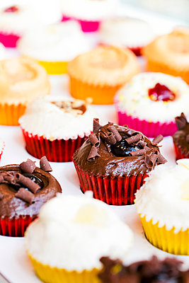 Muffin cups - p778m856581 by Denis Dalmasso