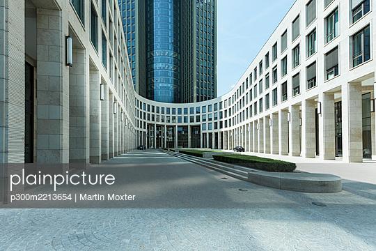 Germany, Hesse, Frankfurt, Tower 185 - p300m2213654 by Martin Moxter