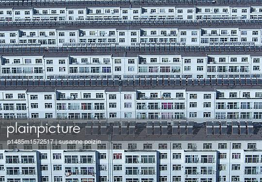 häuserreihe - p1485m1572517 von susanne polzin