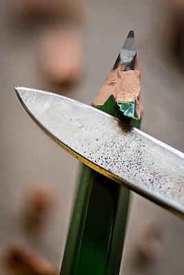 Knife sharpening pen - p1418m1564513 by Jan Håkan Dahlström