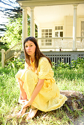 Yellow Dress - p523m1169855 by Lisa Kimmell