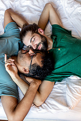 Gay couple - p787m2115267 by Forster-Martin