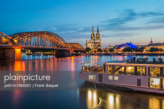 Rhine panorama Cologne with cruise ship - p401m1590201 by Frank Baquet
