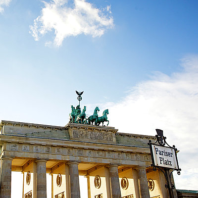 Brandenburger Tor - p606m881720 by Iris Friedrich