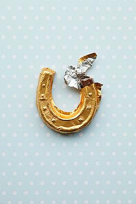 Goldenes Glück - p249m1486565 von Ute Mans