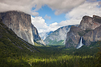 Yosemite Valley from Tunnel View viewpoint, with El Capitan, a 3000 feet granite monolith on the left, and the Bridalveil Falls on the right, Yosemite National Park, UNESCO World Heritage Site, Sierra Nevada, California, United States of America, North Am - p8713766 by Neale Clark