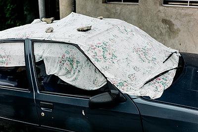 Auto mit Stofftuch - p1425m1487055 von JAKOB SCHNETZ