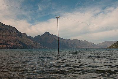 Lake Wakatipu – Neuseeland - p470m1539067 von Ingrid Michel