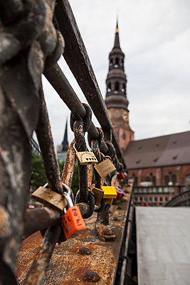 Love lock - p300m905340 by Timo Weis